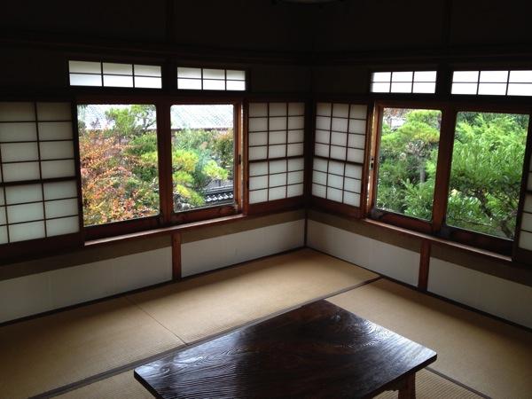 志賀直哉旧居客間の窓
